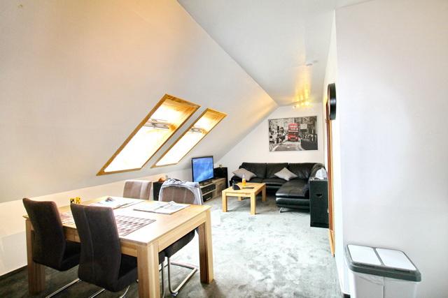 Rendite 5,69%  für eine gepflegte 3 Zimmer Wohnung in Wiemersdorf !!!