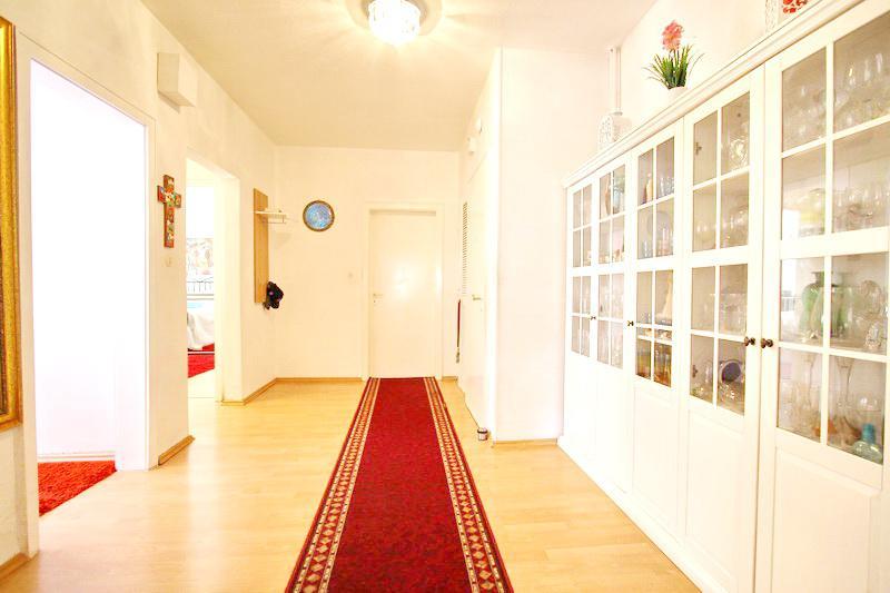 Flur Wohnung 1